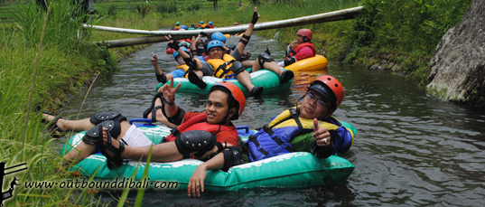river tubing group carefour